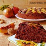 torta al cioccolato con pesche e amaretti