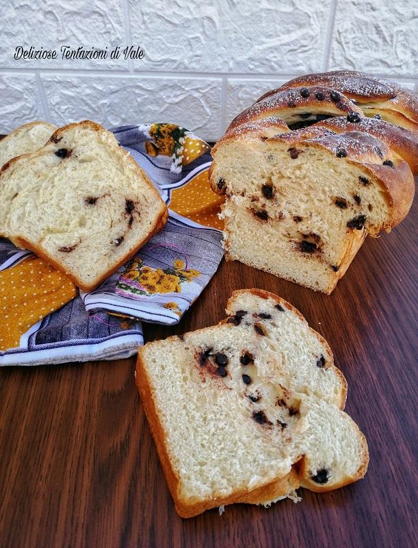 treccia di pan brioche con gocce di cioccolato (2)
