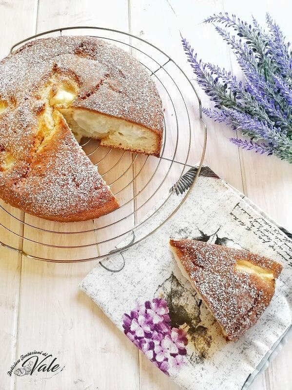 torta nua con crema pasticcera (2)