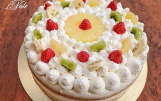 torta decorata alla frutta
