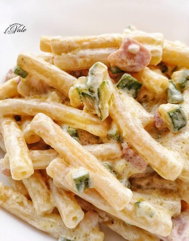 sedanini con zucchine, pancetta e panna (2)