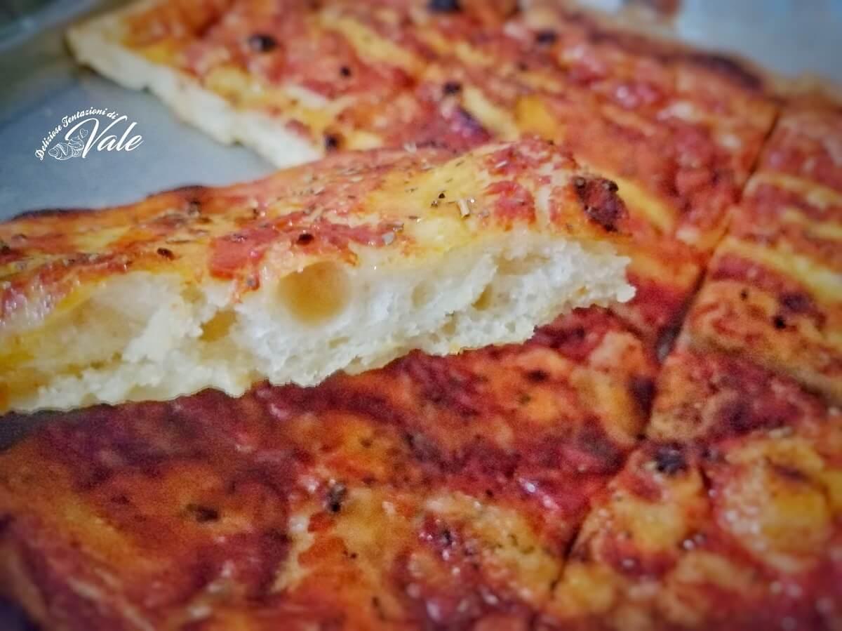 Pizza Marinara in Teglia