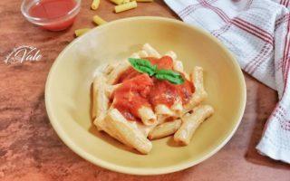 Pasta con Ragù Veloce e Ricotta