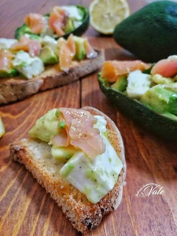 Bruschette con Salmone e Avocado (2)