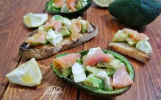 Bruschette con Salmone e Avocado