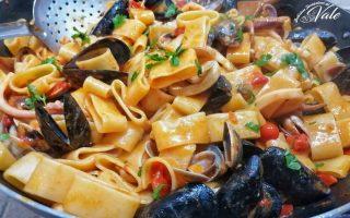 Calamarata Napoletana con frutti di mare