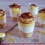 Dessert allo Yogurt e Cioccolato Bianco monoporzione, servito in bicchiere