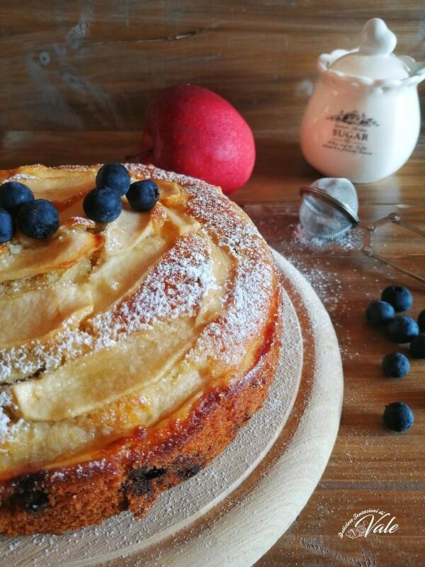 Torta di Mele e Mirtilli con panna senza burro ne olio