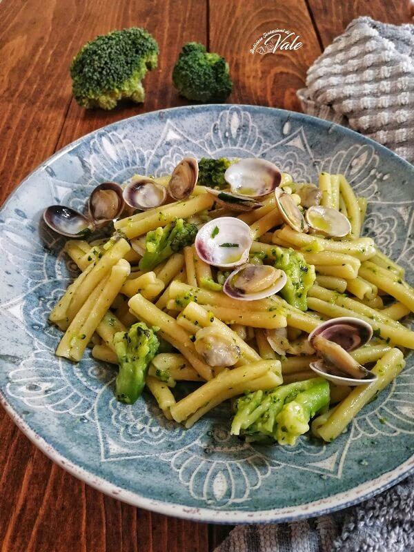 Pasta con Broccoli e Vongole.
