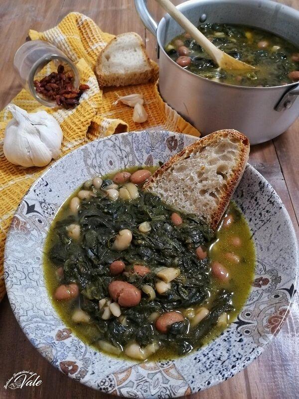 Zuppa di Fagioli con Scarole