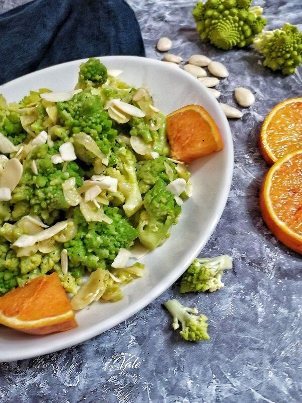 Broccolo Romano con Mandorle e Arance