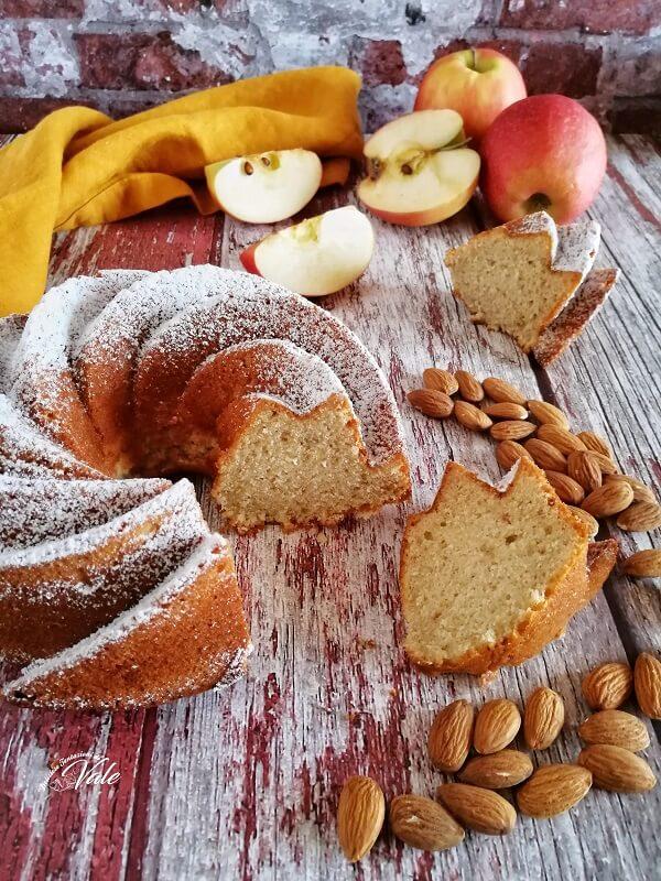 Torta Mele e Mandorle