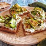 Crostini con Mousse di Mozzarella e Zucchine grigliate