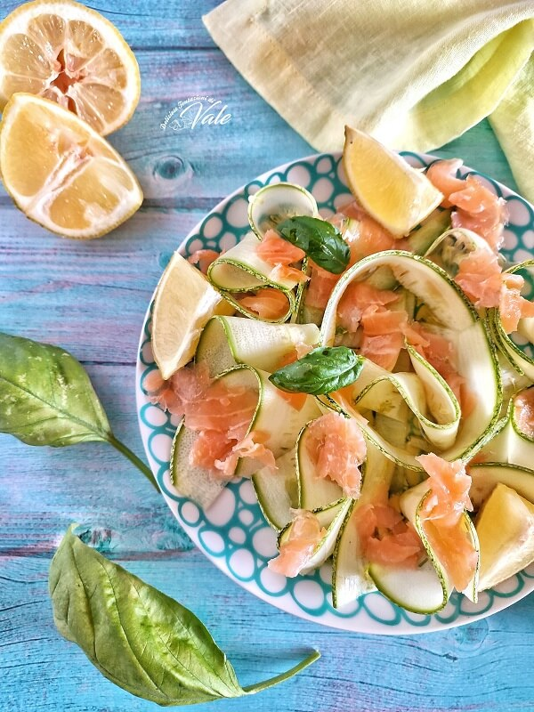 Carpaccio di Zucchine e Salmone Affumicato