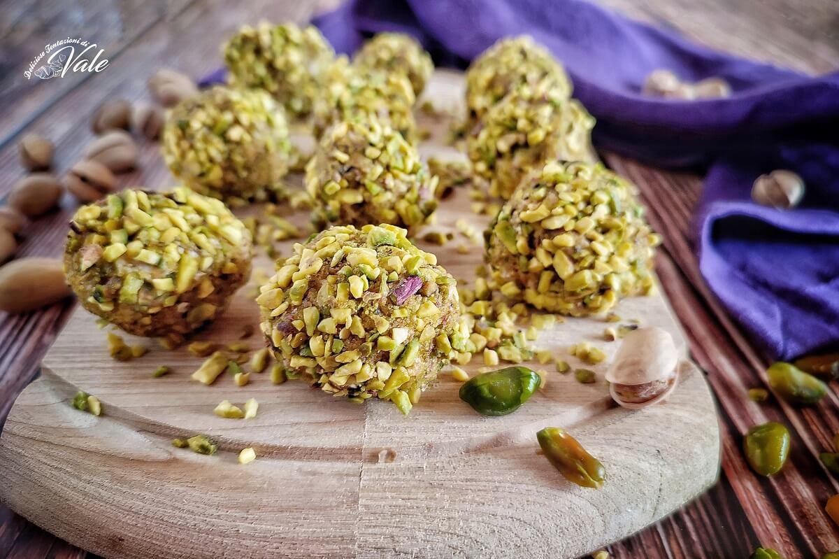 Tartufini Salati con Pistacchi
