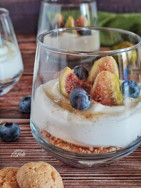 Dessert ai Fichi con Ricotta e Amaretti
