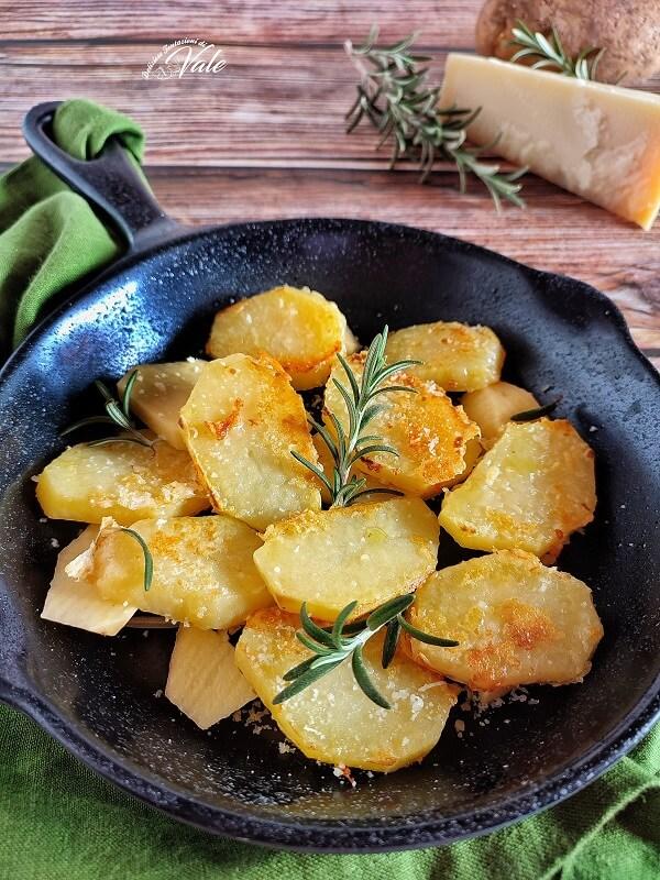 Patate al Parmigiano in forno o in padella