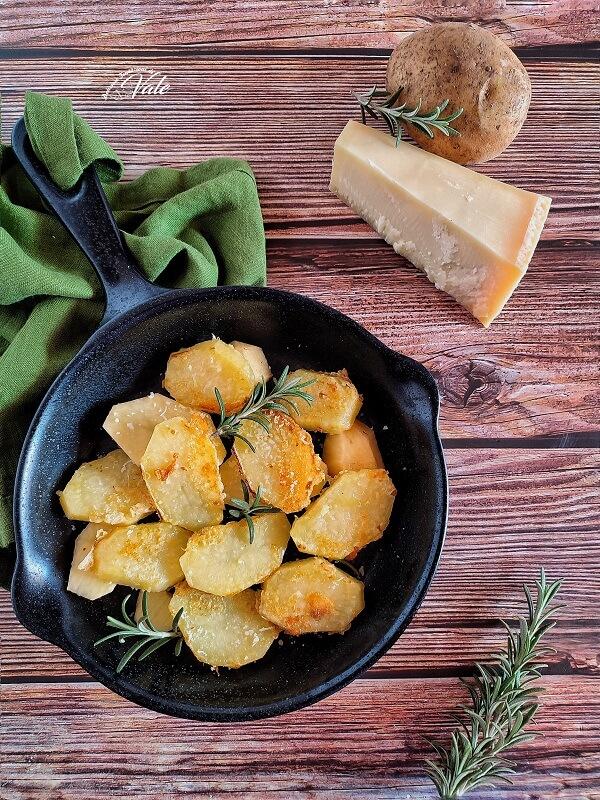Patate al Parmigiano in padella o al forno