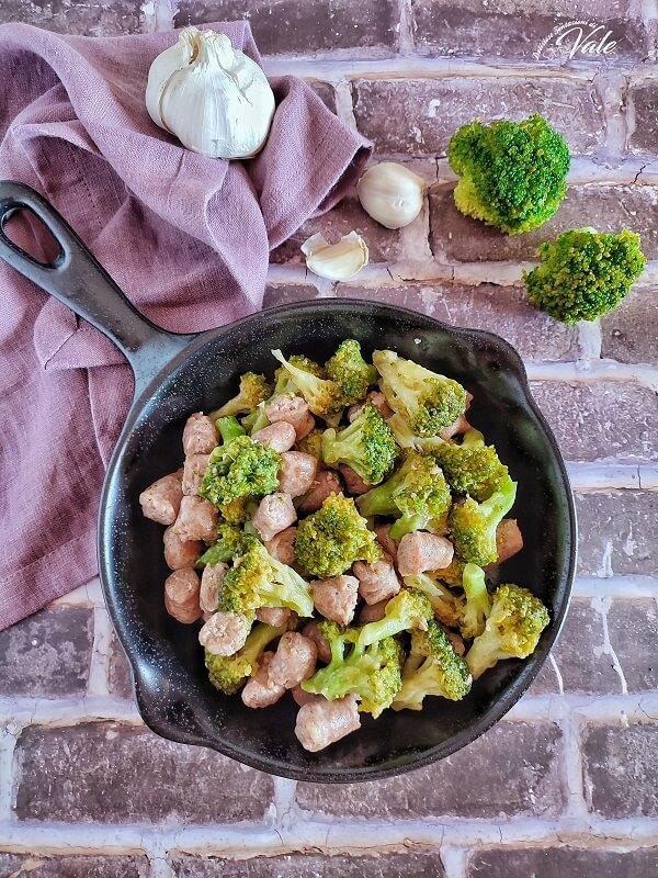 Broccoli Baresi e Salsicce in padella