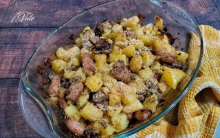 Patate, Funghi e Salsicce al Forno