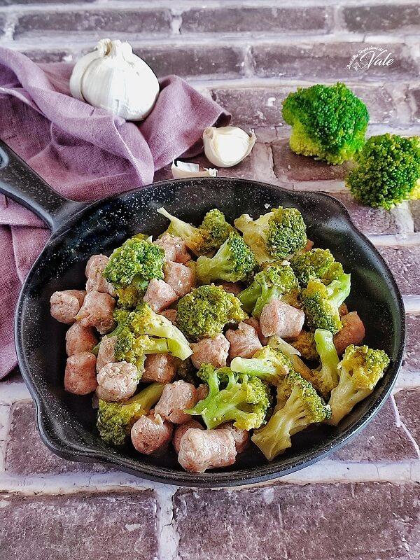 Salsicce e Broccoli in padella